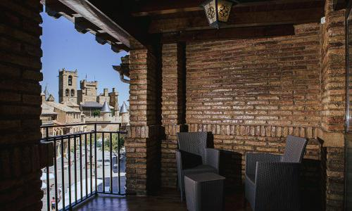 Suite con terraza y vistas Olite